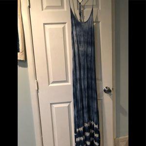Billabong Shoreside Maxi Dress Size medium